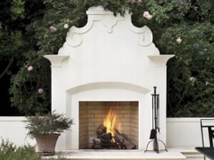 Forno Bravo fireplace kit in backyard