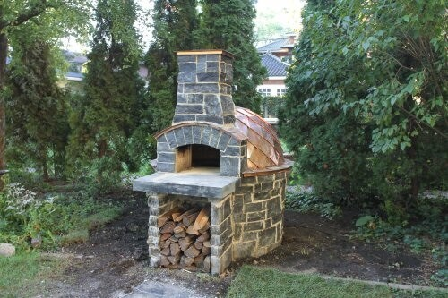 Giardino pizza oven with stone and copper exterior