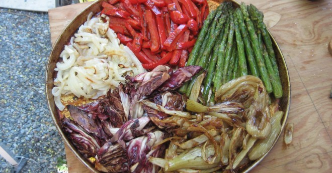 wood fired vegetables, wood fired recipe, red pepper, asparagus, pizza toppings