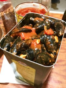 cooking-mussles-in-a-can