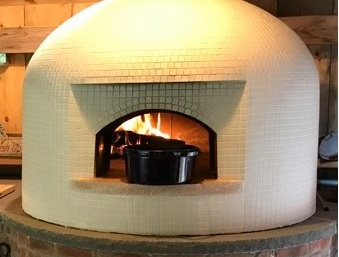 black Dutch Oven-white pizza oven