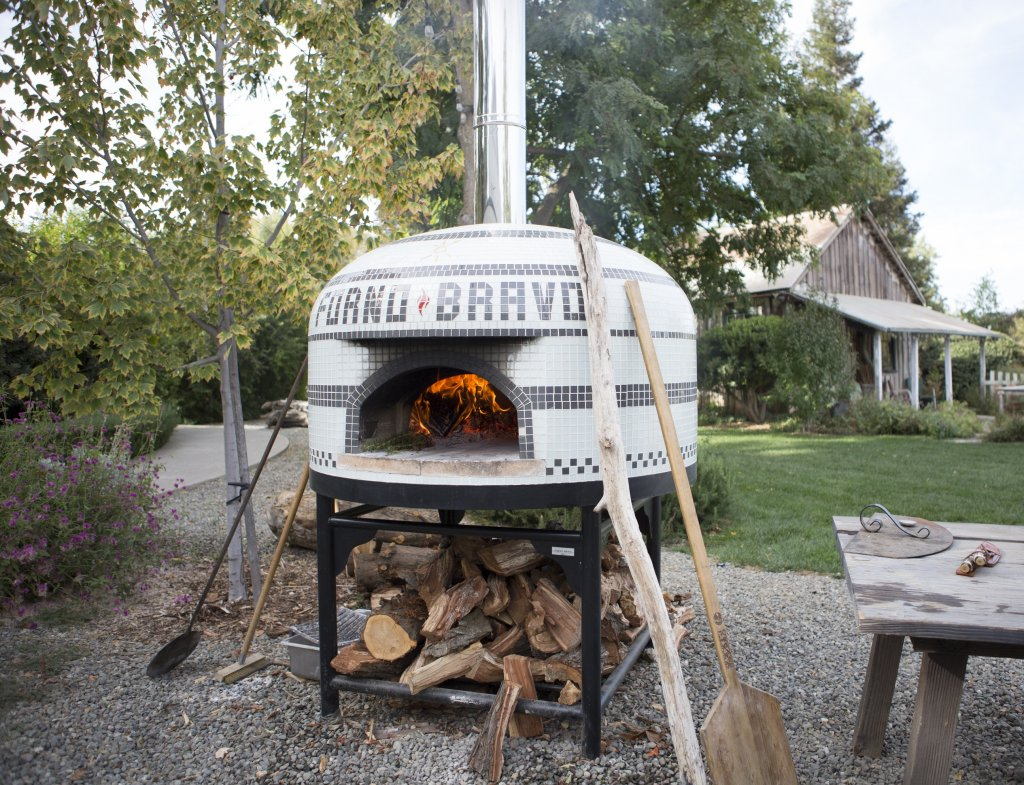 Vesuvio Pizza Oven with Fire